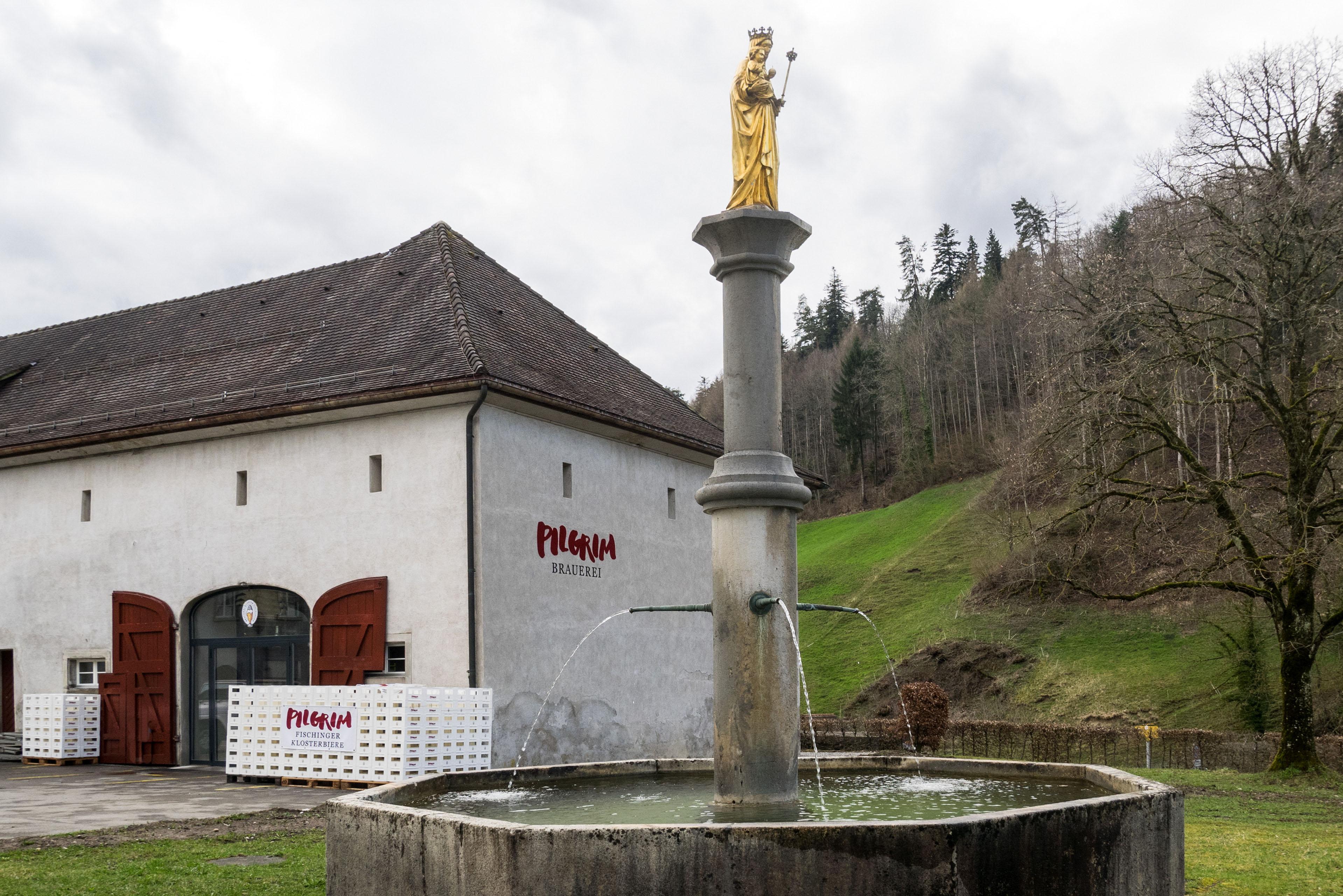 Brunnen vor der PILGRIM Brauerei